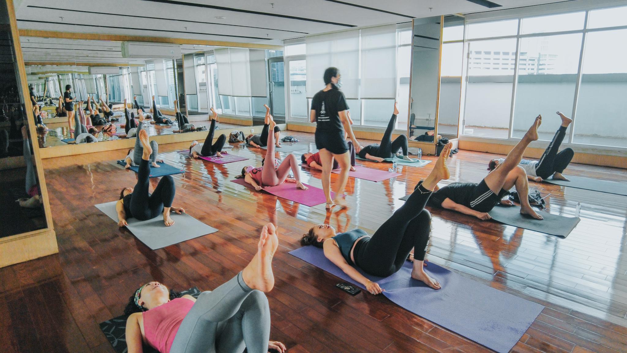 Tingkatkan Imunitas, Vasaka The Reiz Condo Ajak Penghuni Olahraga Yoga